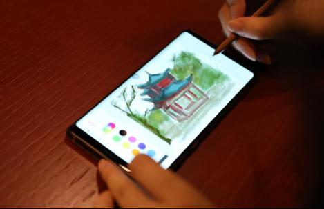 纸一支笔便描绘出长沙的风采,那么如今科技的进步,则可以凭借一部手机